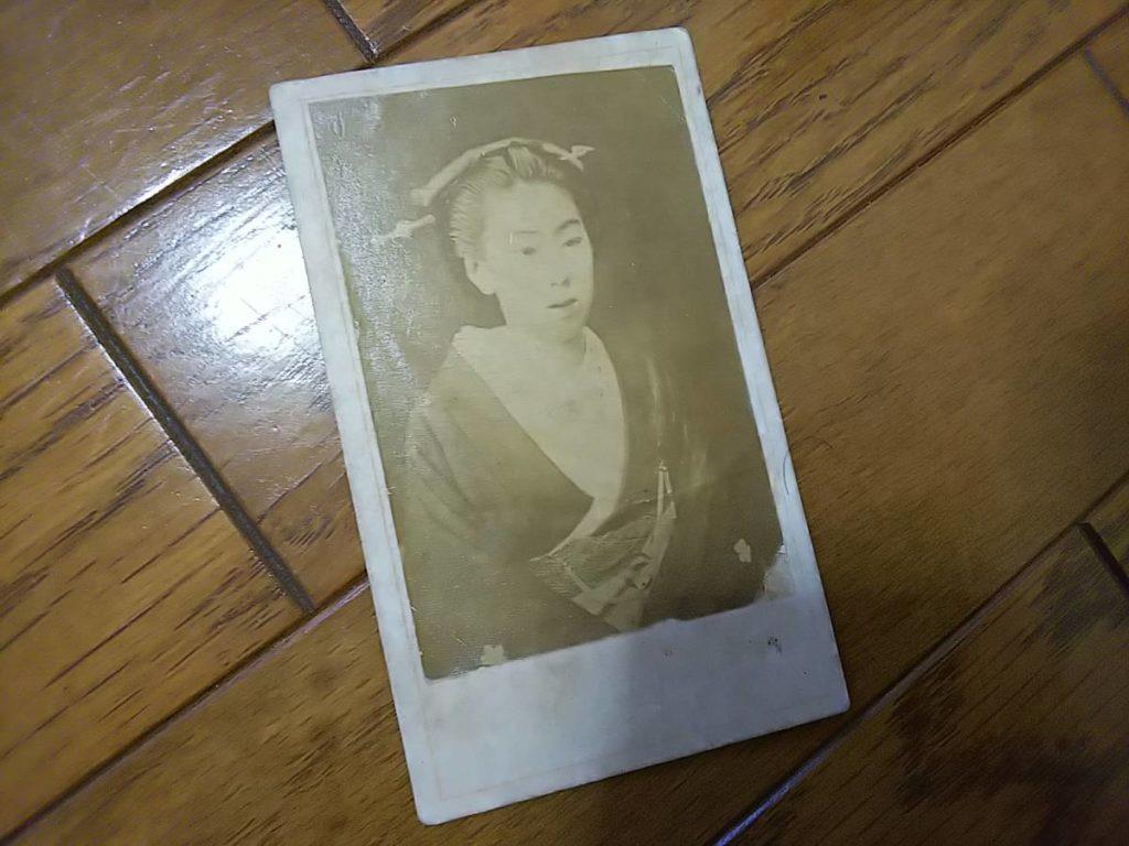 加賀藩主・前田慶寧娘・慰子鶏卵紙古写真