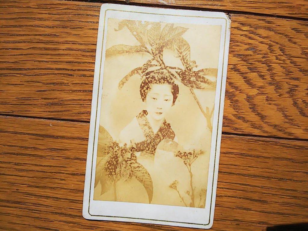 芸妓少女鶏卵紙写真明治