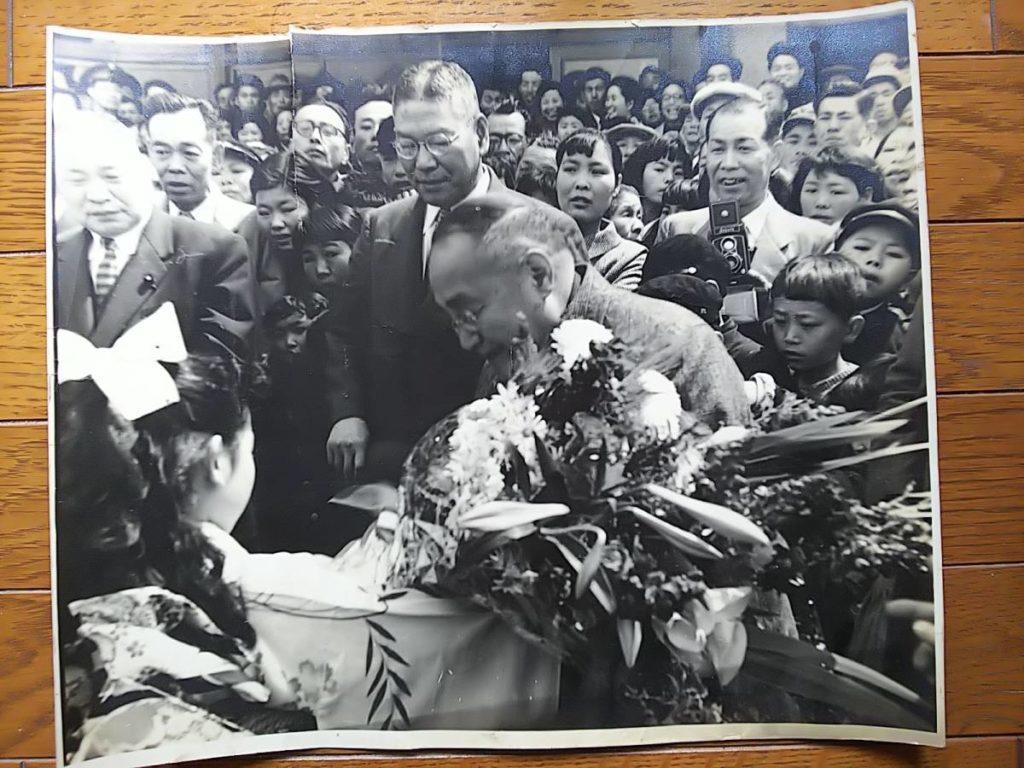【古写真の調査後売却】内閣総理大臣・吉田茂の肖像(モノクロ)