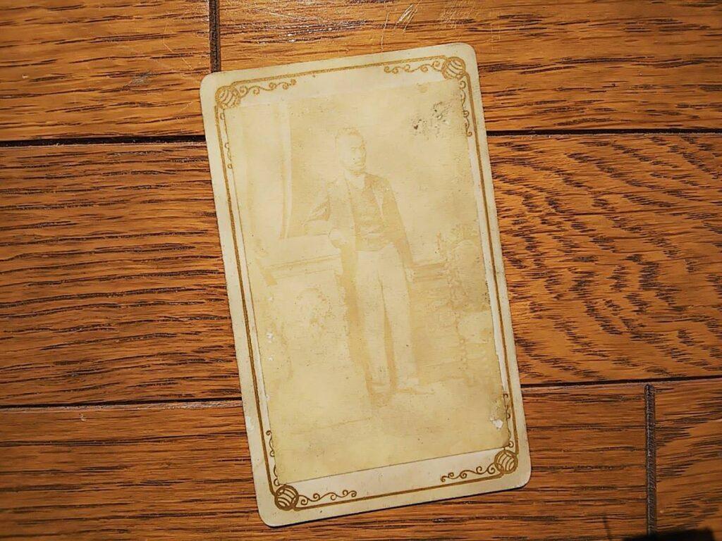 【古写真の調査後売却】薩摩藩士・寺島宗則(鶏卵紙、台紙貼付)